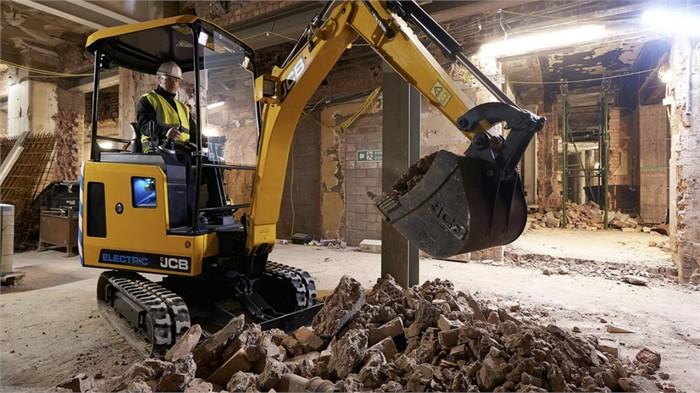JCB To Unveil New Excavators At Plantworx 2019 | Farm And Plant Blog
