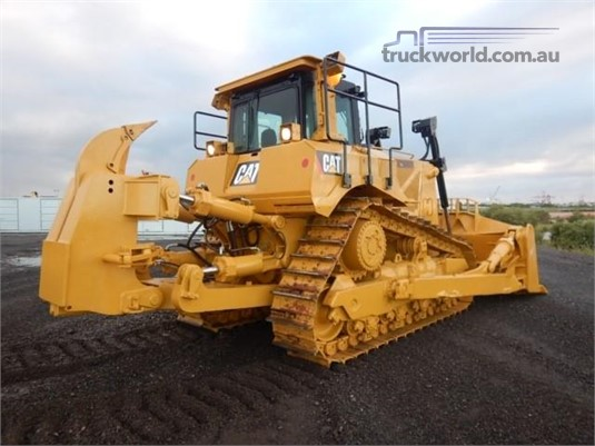 2015 Caterpillar D8T Heavy Machinery for Sale