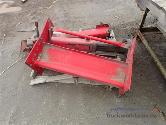 Jost Landing Legs - Truckworld.com.au - Parts & Accessories for Sale