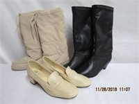 Pair of size 5 fur lined snow boots,size 6