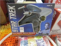 STAR TREK - ELECTRONIC MOVIE PHASER