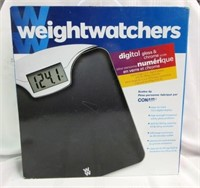 WEIGHTWATCHERS Digital Glass and Chrome Scale