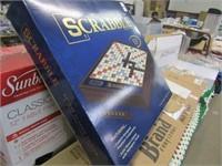 SCRABBLE - DELUX CLASSIC EDITION