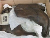 BOOTS - FRYE - BROWN SIZE 8.5M LADIES
