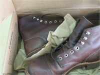 RED WING SHOES SIZE 7 - COLOR BROWN LEATHER