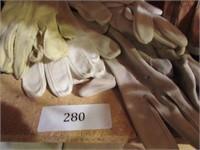 Lot of Vintage Ladies Gloves