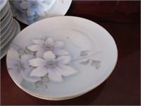 Set of Porcelain Barvarian Dinner Plates