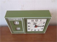 Retro Green WESTACLOX Time'N Day-Date Alarm Clock