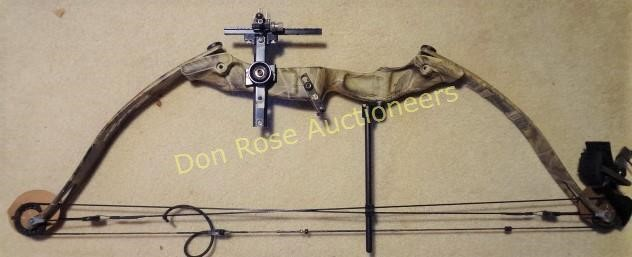 Fred Bear Compound Bow, Child Size   Don Rose Auctioneers