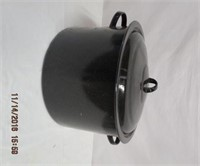 Granite stock pot with jar lifter
