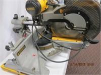 """DeWalt 12"""" double bevel sliding compound mitre saw"""