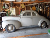 1940 FORD DELUXE COUPE CAR