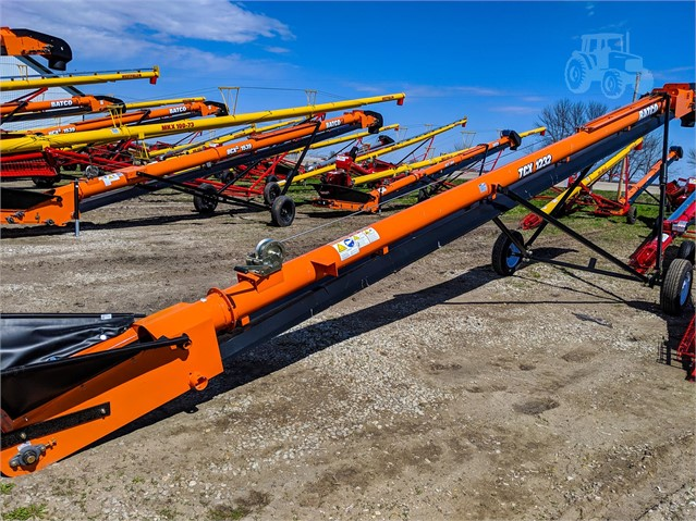 2019 BATCO TCX1232 For Sale In Henderson, Iowa
