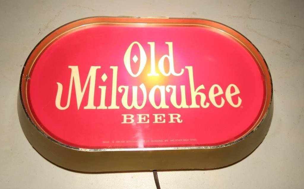10 1 2 X 18 Old Milwaukee Light