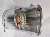 New 23L pest resistant bird seed container