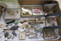 Costume jewelery - tie clip, cuff links, brooches,