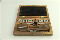 """ENGLISH """"LITTLE GIANT"""" TAP AND DIE SET"""