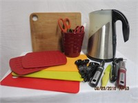 Electric kettle, bamboo and acrylic cutting board,