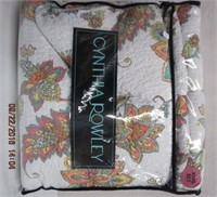 Cynthia Rowley King size quilt and 2 pillow shams