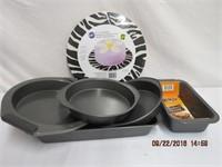 Bakers Secret cake pans, loaf tin and cake boards