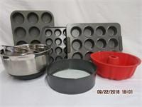 Beaumark and Bakers mixing bowls, spring foam pan,