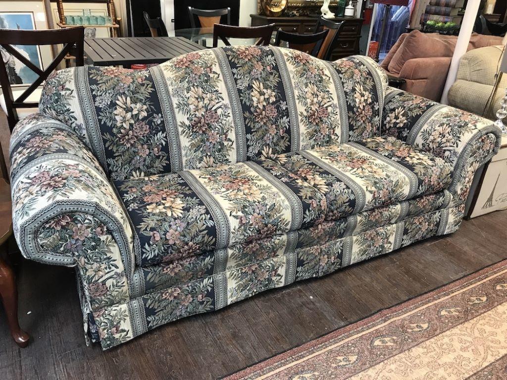 Regal House Furniture Couch Dallas Online Auction Block