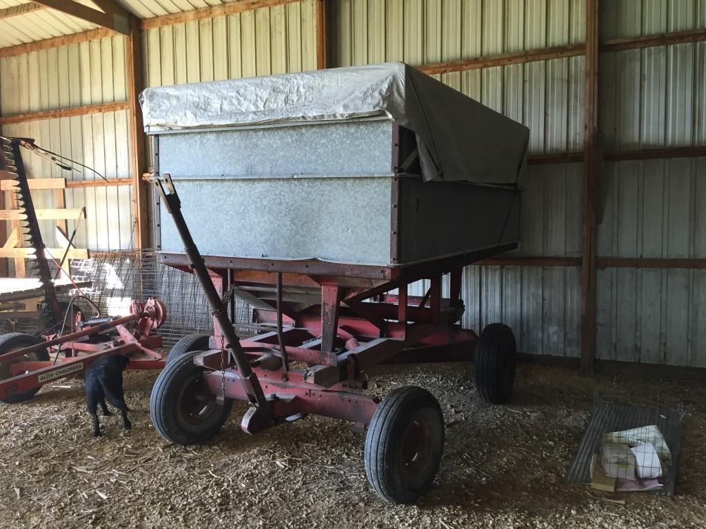 Heider gravity feed wagon, 200 bu, | Whitaker Marketing Group