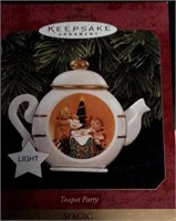 Collectibles, Christmas, & Decor at LakePoint