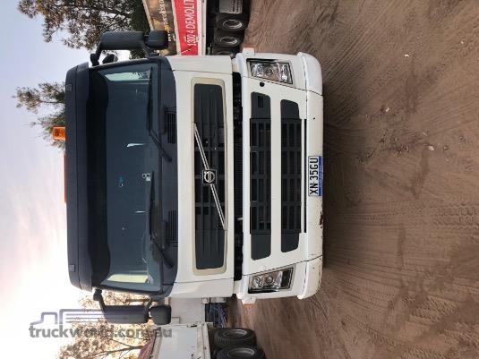 2010 Volvo FM13 - Trucks for Sale