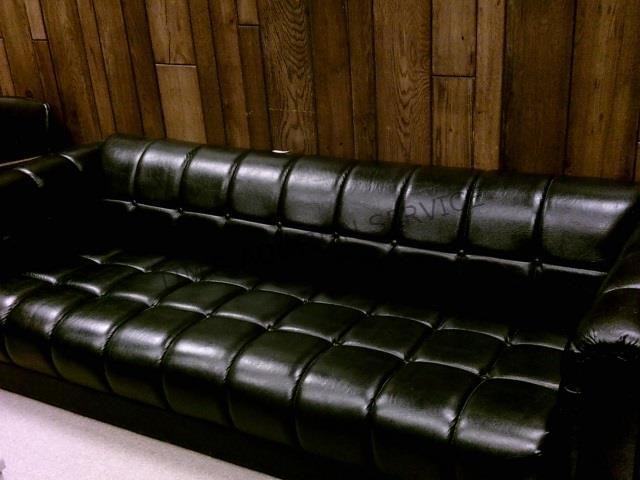 Phenomenal Leather Couch 7 Ft Long Millington Auction House Beatyapartments Chair Design Images Beatyapartmentscom
