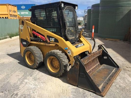 2011 Caterpillar 226B3 - Heavy Machinery for Sale