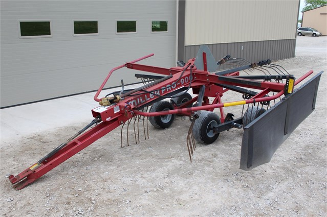 MILLER PRO 900 For Sale In Martinsville, Indiana