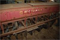 McCormick Oats/Grass Seeder