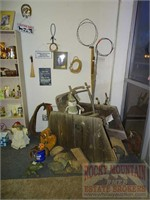 Buyer's Paradise Collectible & Thrift Store Bulk Sale
