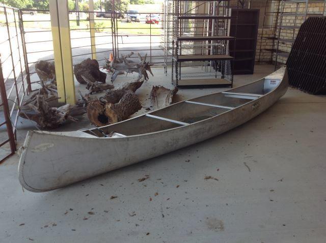 16 FOOT ALUMACRAFT CANOE MODEL QT 17 WWR | HiBid Auctions