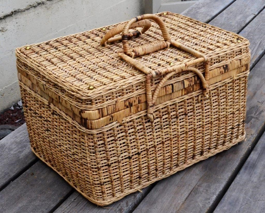 Wicker Picnic Basket Contents B Big Al S Auction