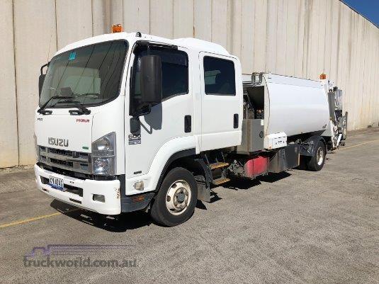 2012 Isuzu FRR 600 Crew Trucks for Sale