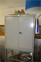 Insulated Cabinet with Contents - Automotive