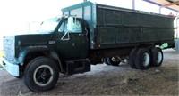 1975 GMC 6500 Farm Truck (view 3)