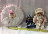 Antique, Vintage, & Retro Dolls/Retro-Modern Barbie Auction
