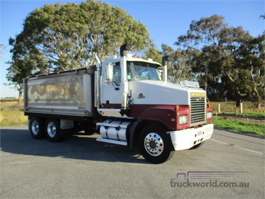 2007 Mack Trident Trucks for Sale