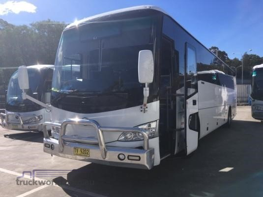 2017 Yutong 57 Seater Coach Buses for Sale