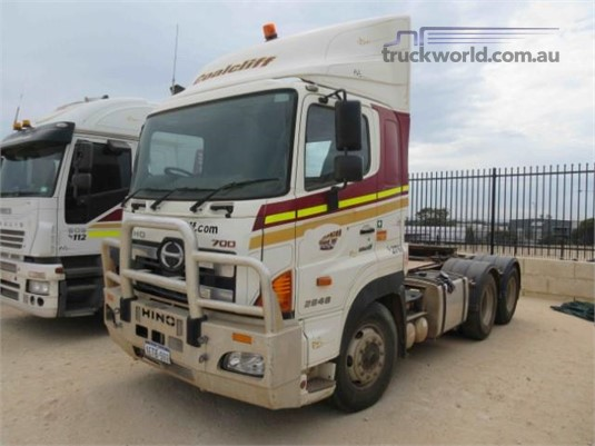 2011 Hino 700 Series 2848 SS - Trucks for Sale