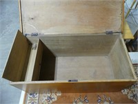 ANTIQUE PINE DOVETAILED 6 BOARD BLANKET BOX