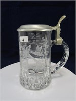 TRAY: 2 ETCHED GLASS W. GERMANY STEINS