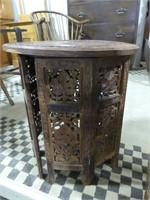 """ROUND LIFT TOP FOLDING 17.5"""" WOODEN TABLE"""