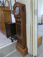 WALNUT CASE PENDULUM FLOOR CLOCK
