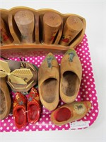 TRAY: SMALL WOODEN SHOES & WOOD SPICE SET