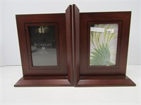BOMBAY PHOTO BOOK ENDS, GLASS BOX, WALLET