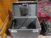 SINGER PORTABLE SEWING MACHINE W/CASE